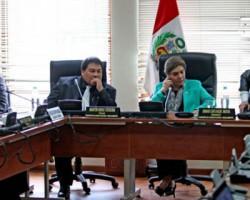 Constitución aprobó la no reelección de presidentes regionales y alcaldes.!
