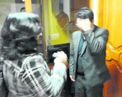 Denuncian supuesta borrachera en alcaldía de Huancavelica.!