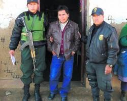 Huancavelica: «Docente» viola en escuela a su alumna de diez años.!