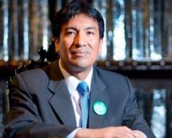 Peruano figura entre los 50 mejores profesores del mundo.!!