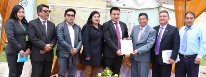Presentan a Darwin Moscoso como nuevo director de la DIRESA – Huancavelica.!!