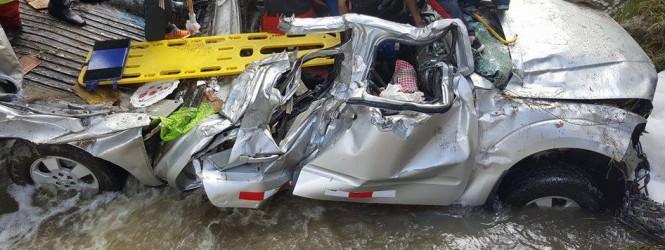 Ayacucho: Camioneta cae al abismo dejando 3 muertos y dos heridos en sector totora.!!