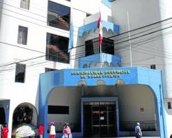Contraloría advierte presunto uso indebido de ambiente de la Municipalidad de Huancavelica con fines políticos.!!