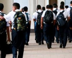 Minedu: Colegios no pueden impedir el ingreso de escolares que lleguen tarde.!!