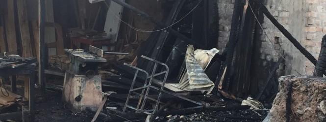 Anciano muere tras incendiarse su carpintería en Pampas Tayacaja.!!