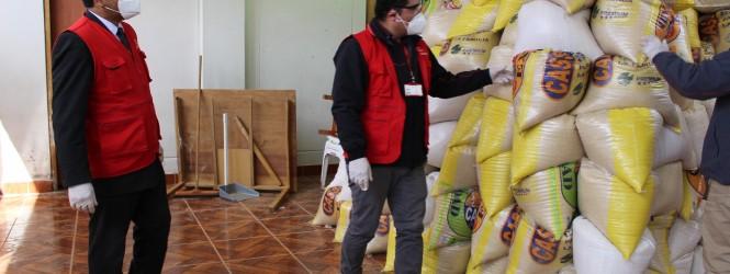 Covid-19: Más de 1,100 funcionarios y servidores públicos fueron beneficiados con canastas de víveres.!!